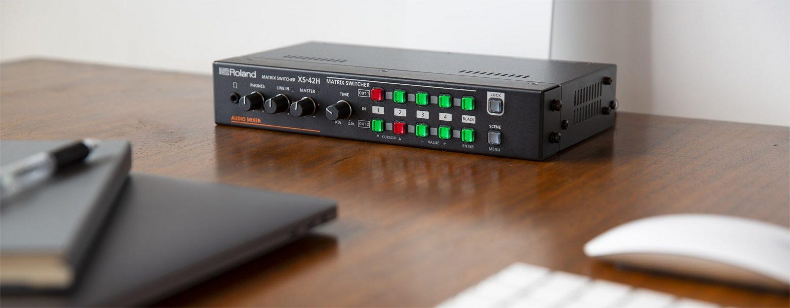 Roland XS-42H on Desk